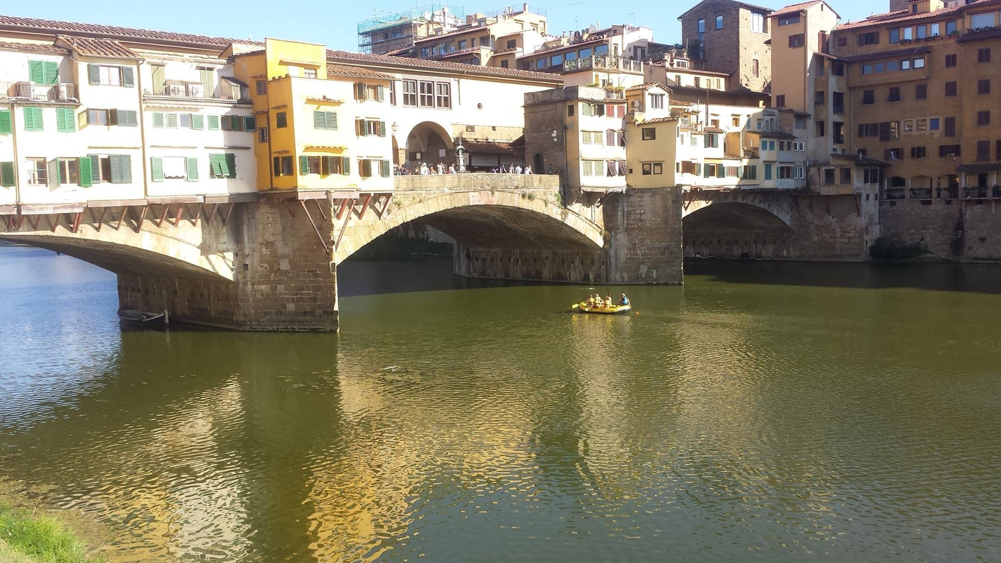 Rafting arno ponte vecchio a firenze for Disegni di ponte anteriore