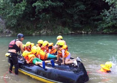 Rafting for children and schools