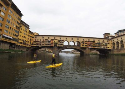 SUP in Florence under the Ponte Vecchio